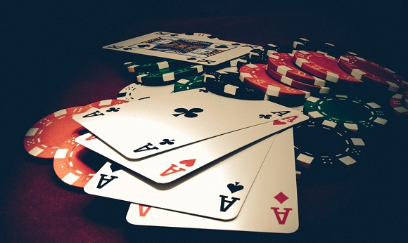En poker julehistorie: Fra pokerhaj til doven sportsbetter